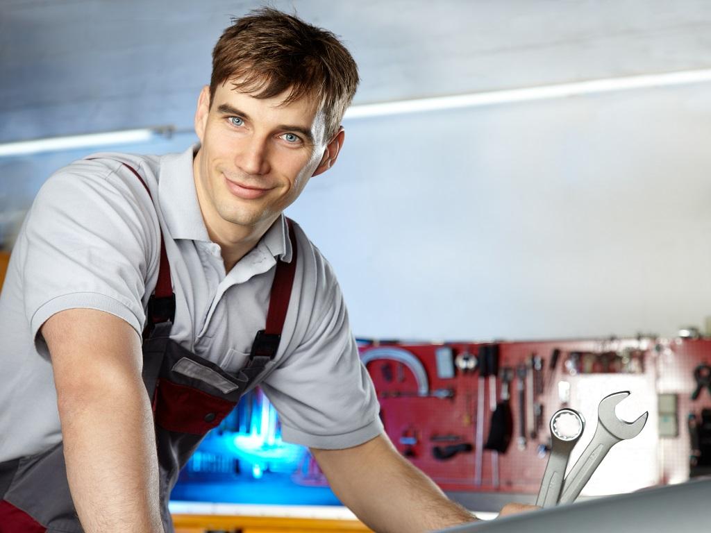 Profesjonalny elektromechanik samochodowy w okolicach Dąbrowy Górniczej