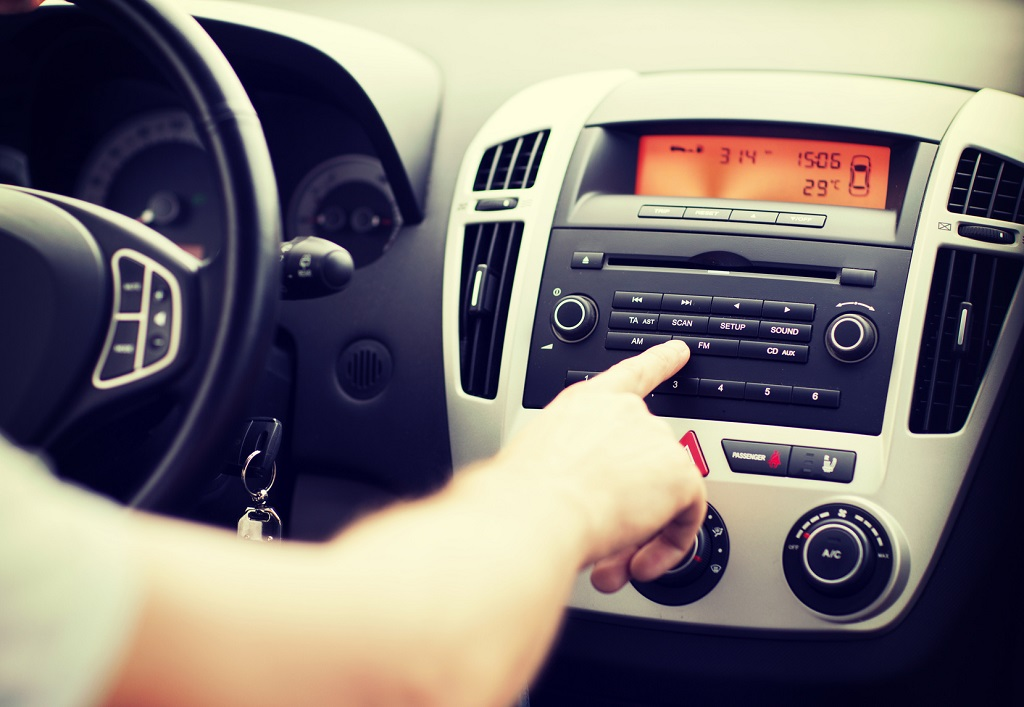 Jak odzyskać kod do radia?